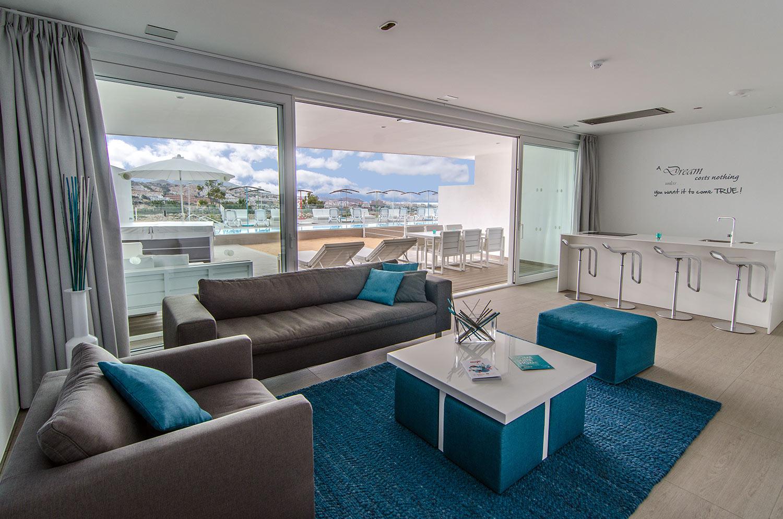 Serenity-Lago-Suite---Living-Room-Baobab-Suites-Mega-Mobiliario