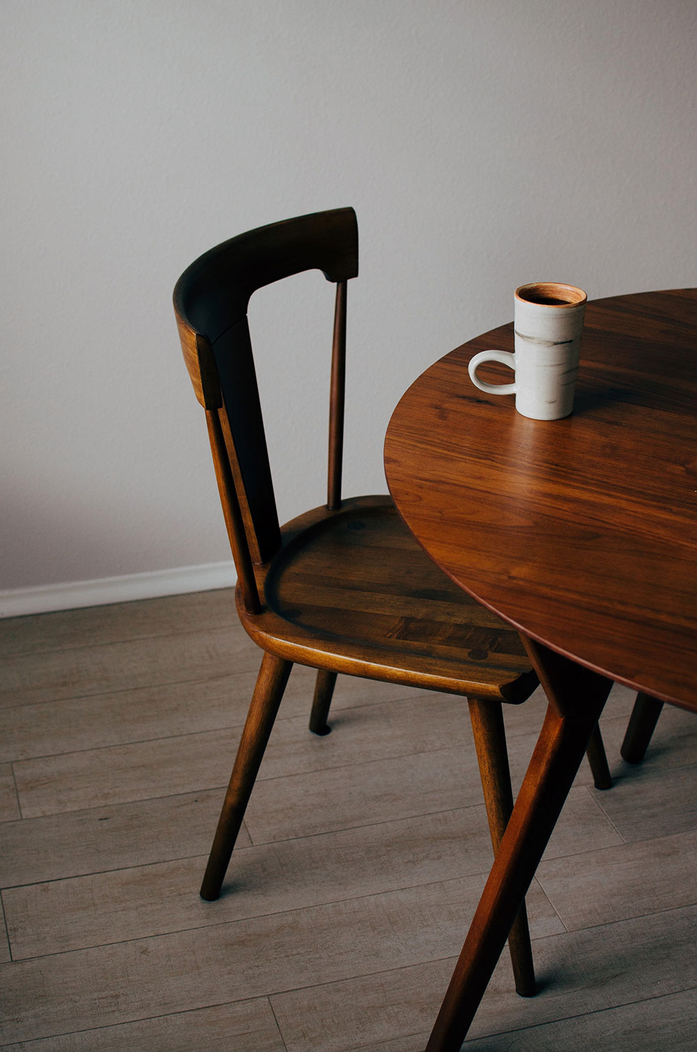 Gu a para limpiar muebles de madera natural megamobiliario - Limpiar muebles de madera ...